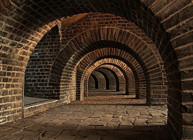 vaulted-cellar-247391_1920